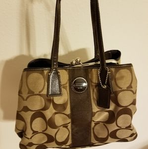 Coach spacious three compartments shoulder bag